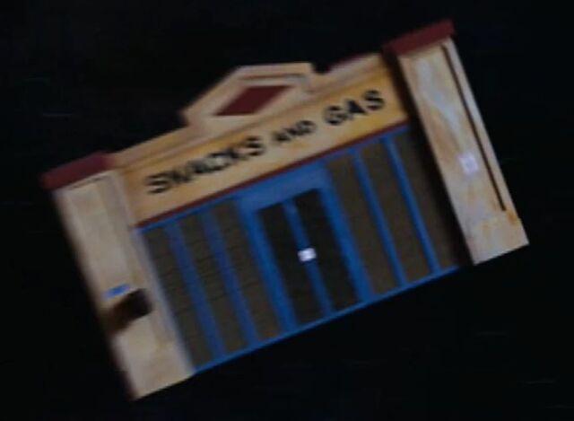 File:Clara's TARDIS - Snacks with Gas Hell Bent.jpg