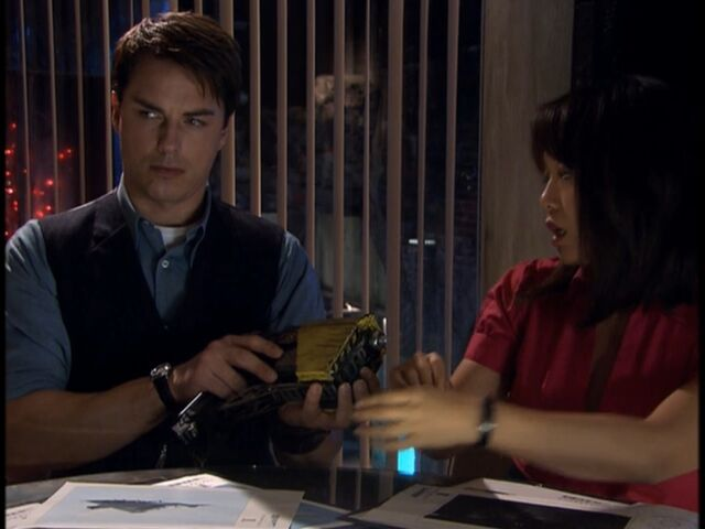 File:Jack Harkness with a bolt gun.jpg