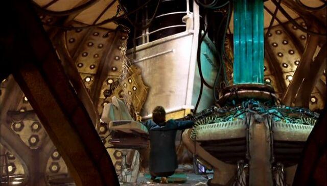 File:TARDIS Crashes into Titanic.jpg