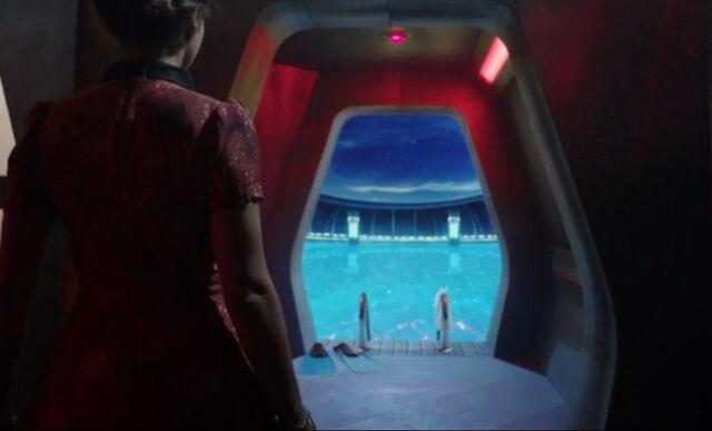 File:TARDIS swimming pool Journey.jpg