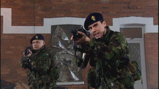 File:Soldiers turn left.jpg