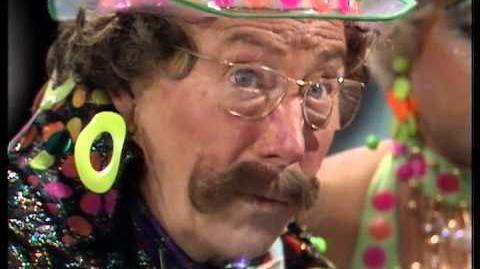 Vorg's alien peepshow - Doctor Who Carnival of Monsters - BBC