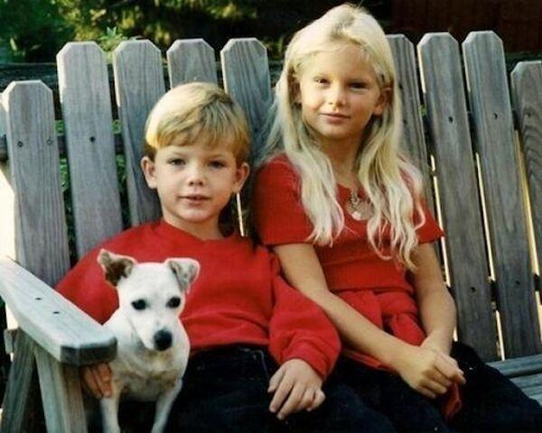File:Taylor and Austin (3).jpg