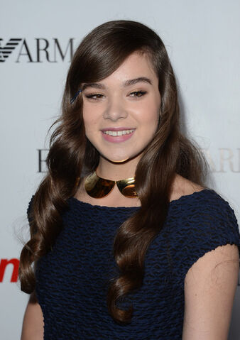 File:Hailee-Steinfeld-Teen-Vogue's-10-Anniversary-Party-Young-Hollywood-Party-Arrivals-2012.jpg