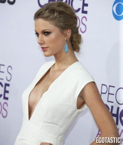 File:39th Peoples Choice Awards.jpg