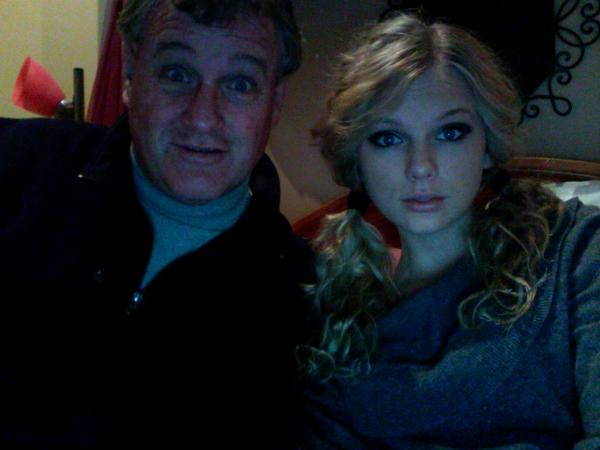 File:Taylor Swift and father.jpg