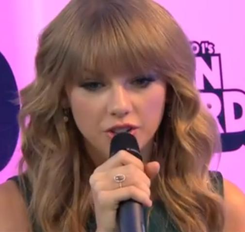 File:Radio Teen Awards 2013 Taylor Swift.png