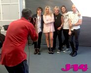 R5-behind-the-scenes-photoshoot-9