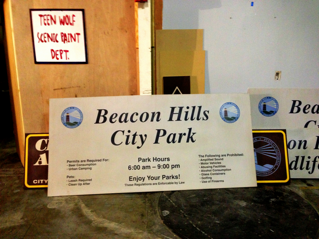File:Teen Wolf Season 3 Behind the Scenes Beacon Hills Signage.png