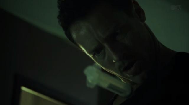 File:Teen Wolf Season 3 Episode 10 The Overlooked Ian Bohen Peter juices up on Epinepherine.png