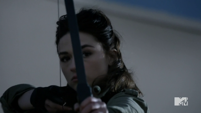 File:Teen Wolf Season 3 Episode 3 Fireflies Crystal Reed Allison Argent takes aim.png