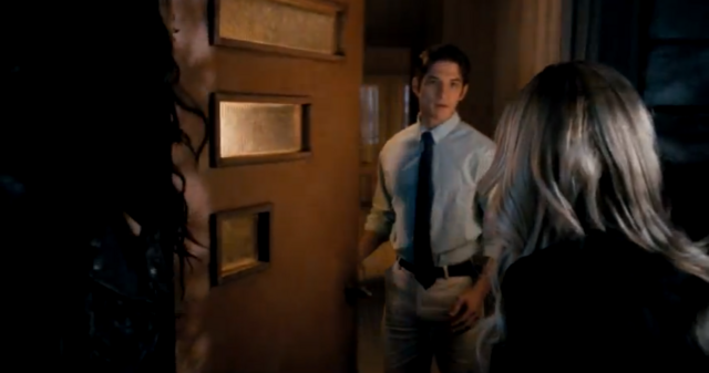 File:Teen Wolf Tyler Posey in Scary Movie V.png