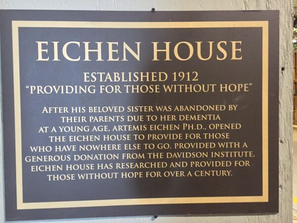 Teen Wolf Season 5 Behind the Scenes Eichen House sign dedication undated