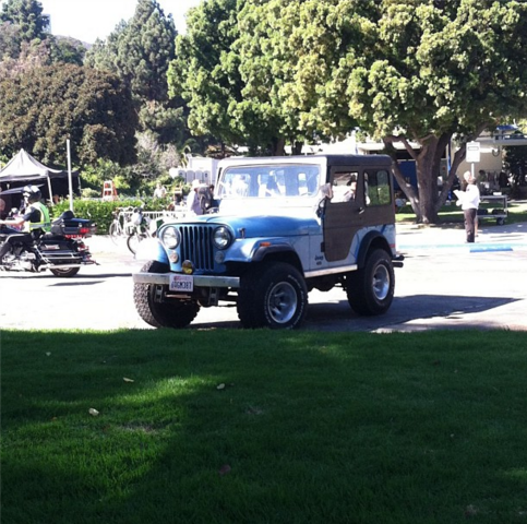 File:Teen Wolf Season 3 Behind the Scenes Stiles Jeep at Pali High Sept 5.png