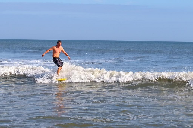 File:Linden Ashby Surfing 2.png