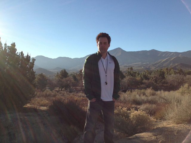 File:Teen Wolf Season 3 Behind the Scenes Orny Adams Canyon Lens Flare.png