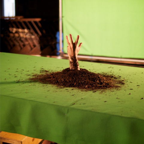 File:Teen Wolf Season 3 Behind the Scenes Grave Hand Green Screen.png