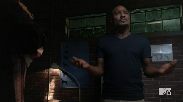 File:Teen Wolf Season 3 Episode 8 Visionary Seth Gilliam councils Alphas .png