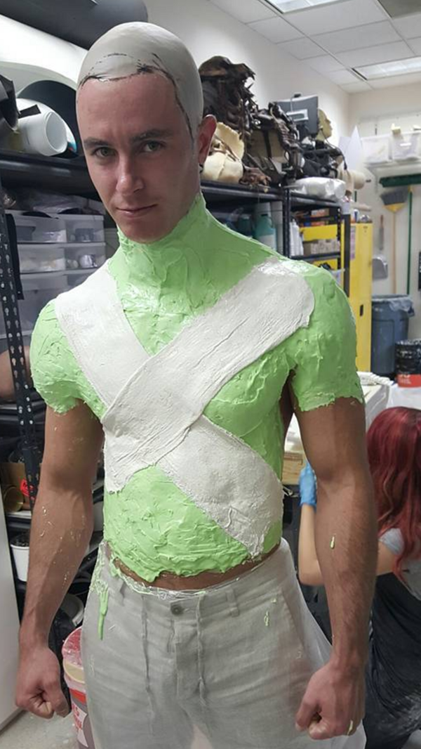 Teen Wolf Behind the Scenes Ryan Kelley upper body cast 091015
