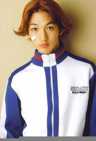 File:Adachiosamutenimyu.jpg