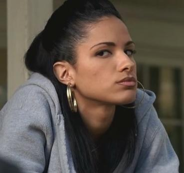 File:Chola cautious glance.JPG