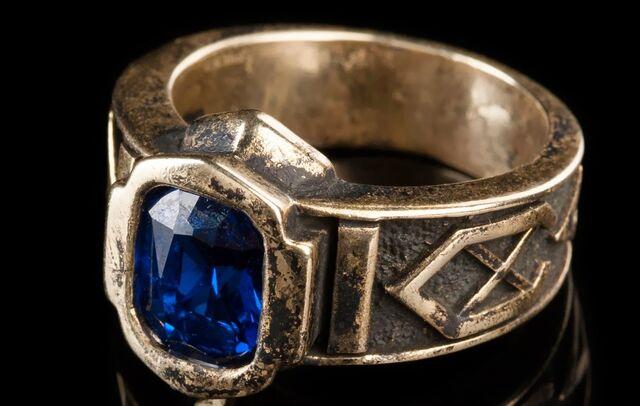 Arquivo:O Anel dos Sete Anéis do Poder.jpg