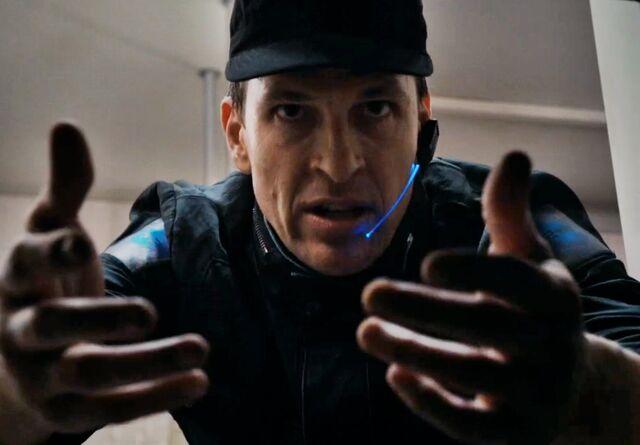 File:Officer 3.jpg