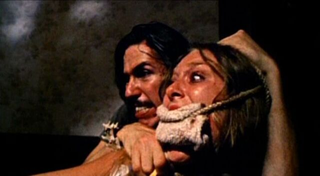 File:The-texas-chain-saw-massacre-edwin-neal-and-marily1.jpg