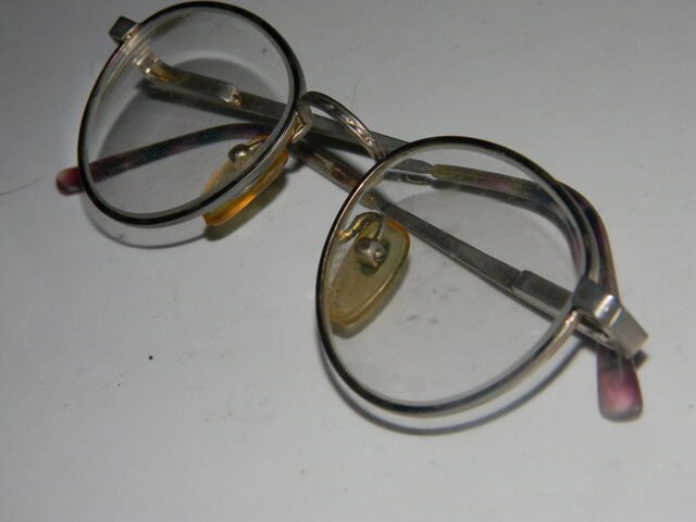 File:Through the Pedo Glass by BestFairyEver.jpg
