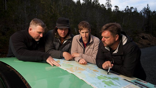 378591-finding-bigfoot-team-cliff-barackman-james-039-bobo-039-fay-ranae-holland-and-matt-moneymaker
