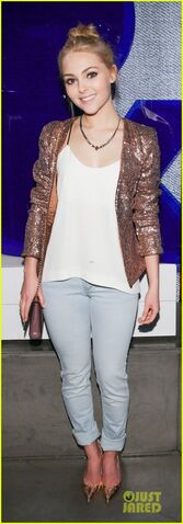 File:Annasophia-robb-denim-days-celebration-05.JPG