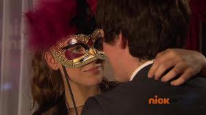 Nina and Fabian about to kiss