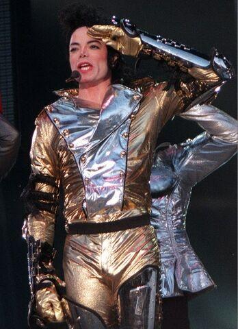 File:Golden-MJ-history-era-14201640-545-751.jpg