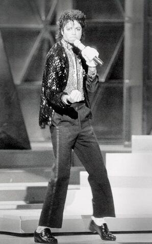 File:Michael Jackson Motown 25 Billie Jean.jpg