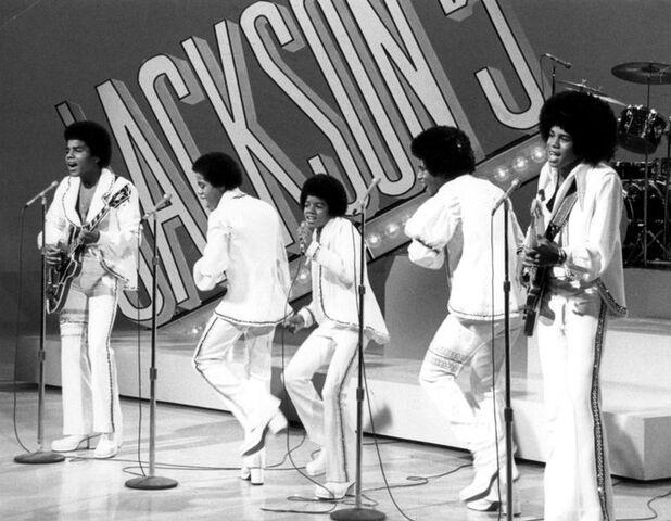 File:772px-Jackson 5 tv special 1972.jpg