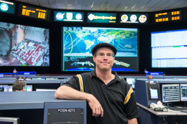 File:Andy Weir 5.png