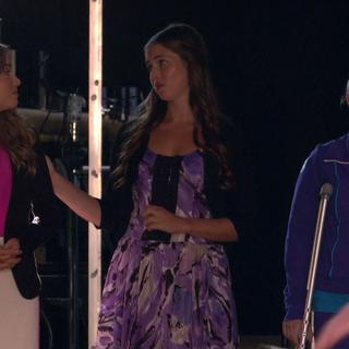 Phoebe tells Kate she loves her.