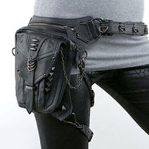 LeatherHipPouch