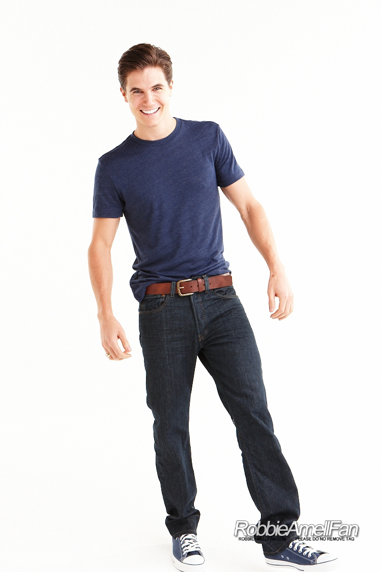 Promotional Photoshoot - 013 - Robbie Amell Fan Photo ...