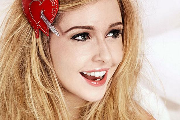 File:Diana-vickers-free-publicity-press-shot-april-2010-for-the-ticket-from-supersonic-pr-image-1-396998543.jpg