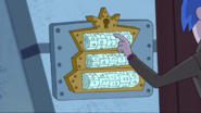 S1e05a The Glooms Try to Seize the Castle 4
