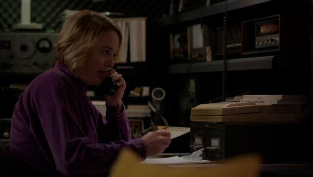 File:The americans-call center-joan 02.jpg