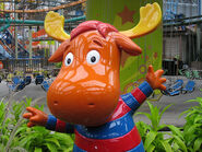 The Backyardigans Tyrone Statue at Nickelodeon Universe