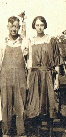 File:Alva Eunice Beard and Pearl Bingham Beard.jpg