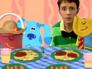 Blue's Clues Pail and Shovel with Spaghetti