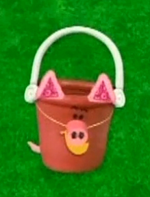 File:Pail dress up as a pig.jpg