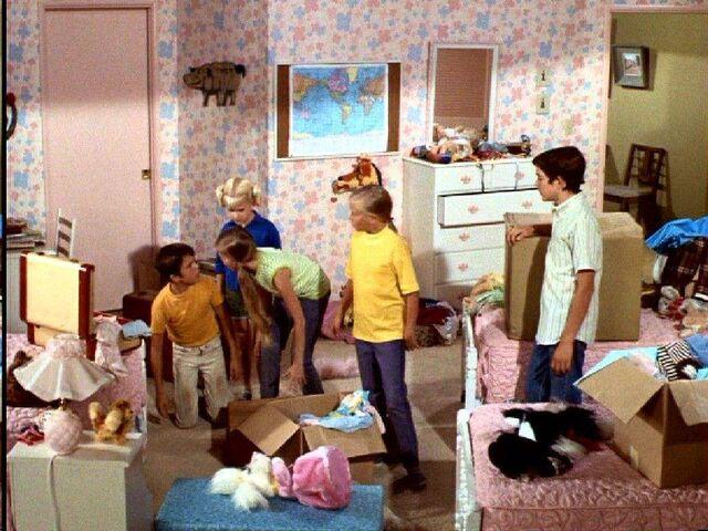 File:Brady bunch girls room.jpg