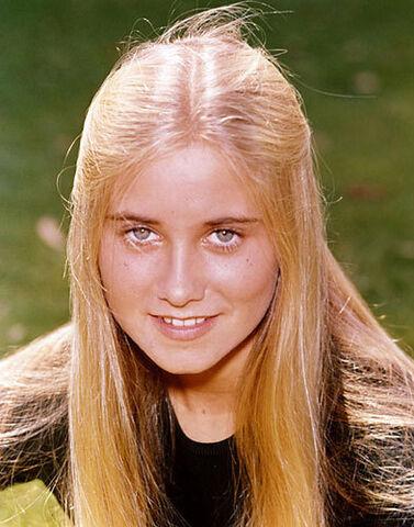 File:Marcia-Brady-the-brady-bunch-5795502-393-500.jpg