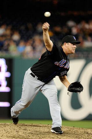 File:Jason Isringhausen New York Mets v Washington pKYx0ltbxvXl.jpg