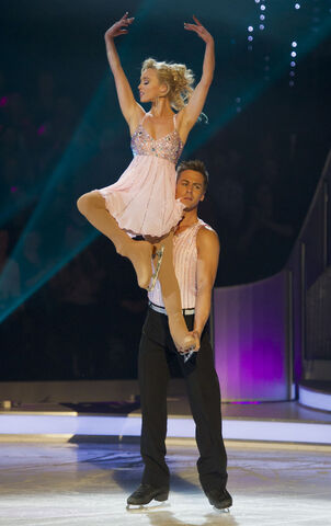 File:Jorgie and matt.jpg
